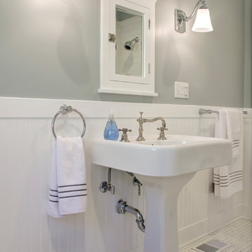 Craftsman Guest Bath