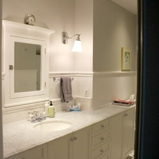 Craftsman Bathroom by First Choice Carpentry, Inc.