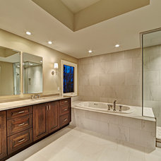 Traditional Bathroom by HM HOMES