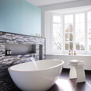 Example of a trendy bathroom design in Devon