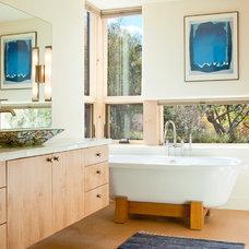 Southwestern Bathroom by BARRETT STUDIO architects