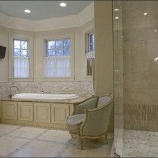 Traditional Bathroom by mary elizabeth hulsey