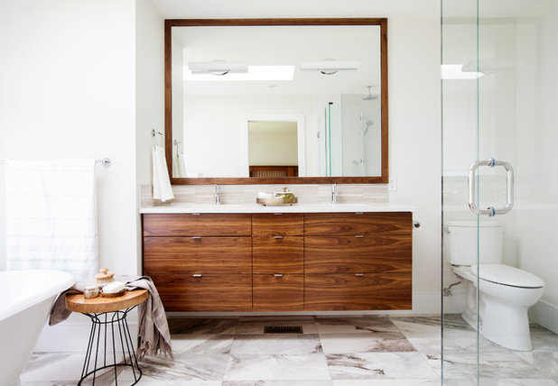 New Contemporary Bathroom by RG Design Studio Inc