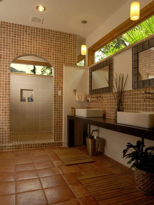 Upper window houzz for Bathroom tiles spain