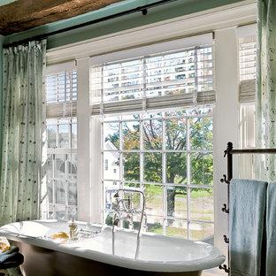 Claw-foot bathtub - victorian claw-foot bathtub idea in New York