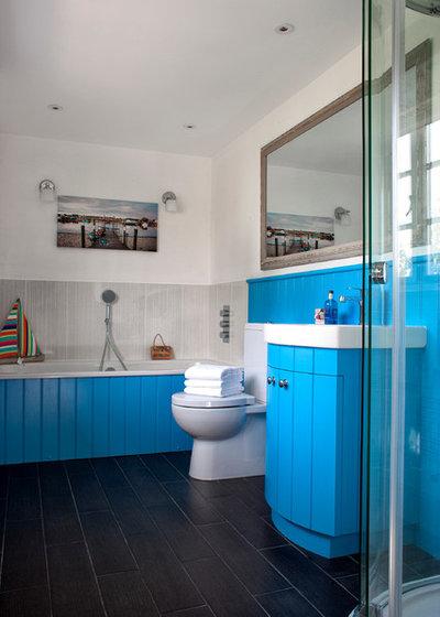 Морской Ванная комната by Cotton Tree Interiors