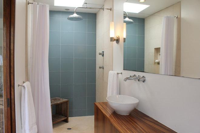 Modern Bathroom by JAC Interiors