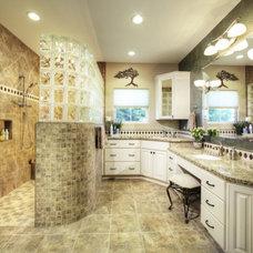 Bathroom by DreamBuilders Home Remodeling