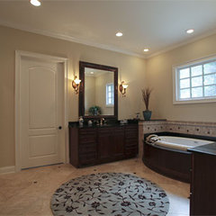 traditional bathroom by Lankford Decorating & Construction, Inc.