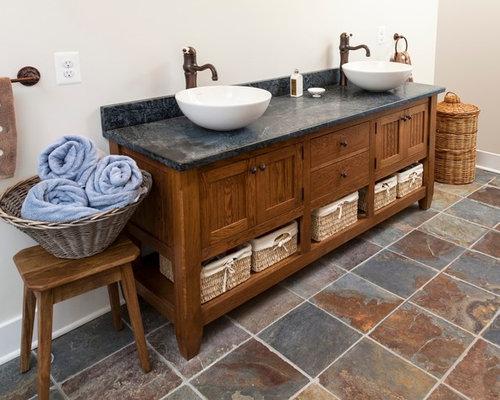badezimmer mit speckstein waschbecken waschtisch und schieferboden design ideen beispiele. Black Bedroom Furniture Sets. Home Design Ideas