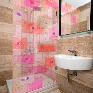 Idee per una stanza da bagno con doccia moderna di medie dimensioni con nessun'anta, ante marroni, doccia aperta, piastrelle marroni, pareti marroni, pavimento in marmo, lavabo da incasso e top in granito