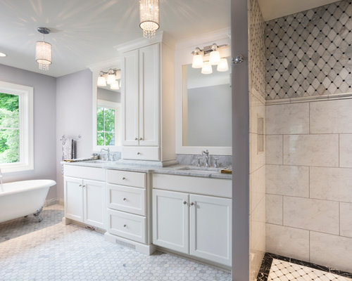 Lake cottage home design ideas pictures remodel and decor for Lake cottage bathroom ideas