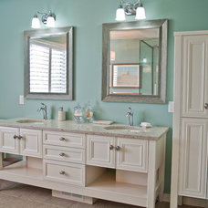 Traditional Bathroom by Metric Homes