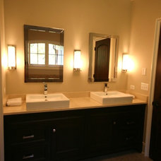 Modern Bathroom by Matthies Builders