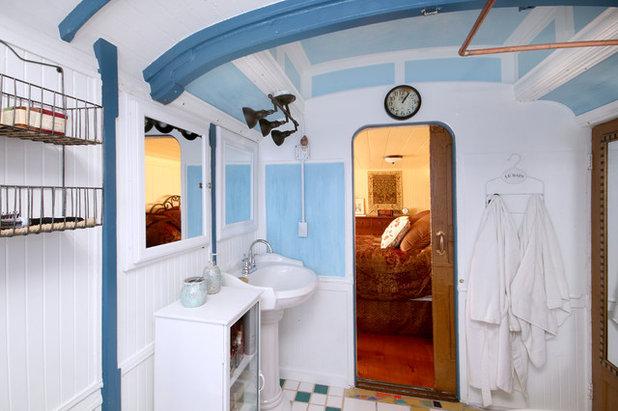 Eclectic Bathroom by Barnes Photographics - Genia Barnes