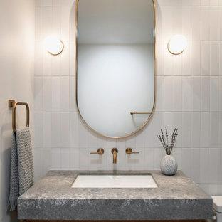 Inredning av ett retro badrum