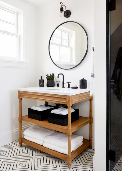 Transitional Bathroom by RoomSecret