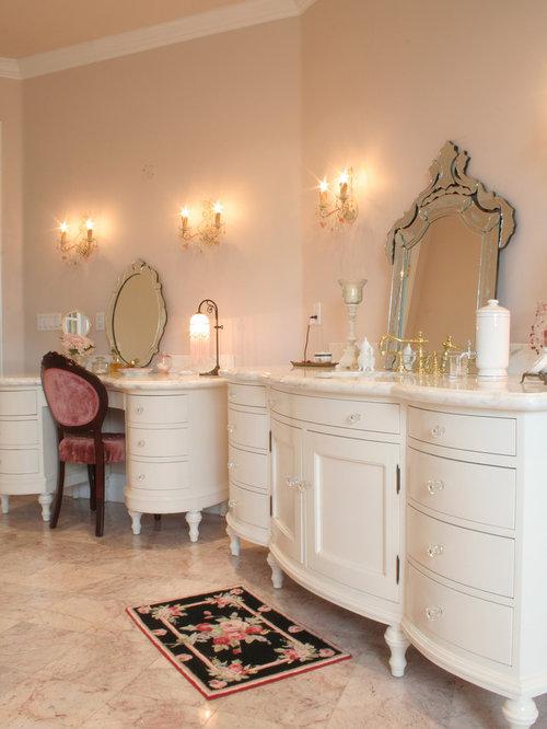 Example Of A Classic Bathroom Design In Orange County