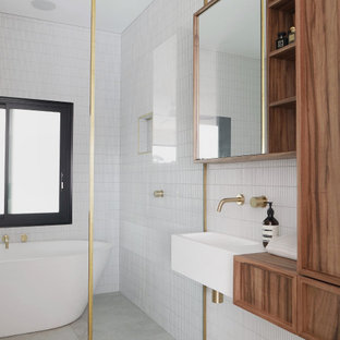 This is an example of a contemporary bathroom in Gold Coast - Tweed.