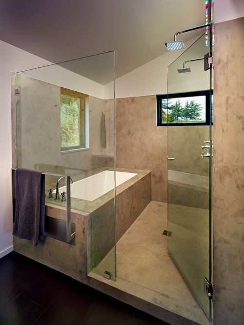 inspiration for a midsized master tubshower combo remodel in seattle with