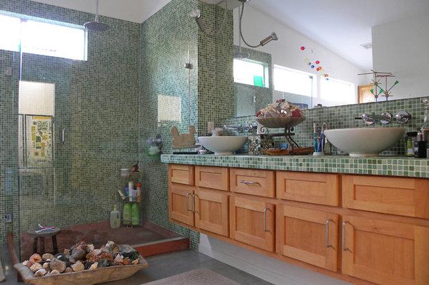 Industrial Bathroom by Sarah Greenman