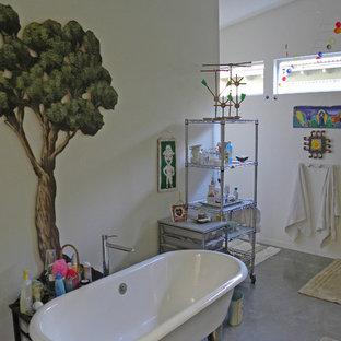 Foto di una stanza da bagno industriale