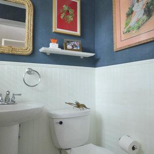 Esempio di una stanza da bagno eclettica
