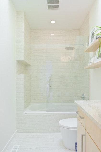 Contemporary Bathroom by CK DESIGN