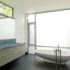 Modern Bathroom by Studio Durham Architects