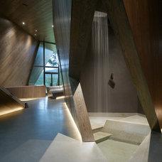 Modern Bathroom by CNR Group Inc.