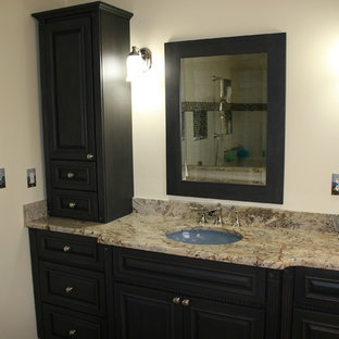 Example of a classic bathroom design in Other