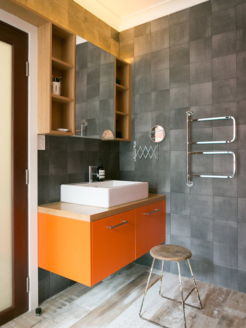 This Is An Example Of A Midcentury 3/4 Bathroom In Sydney With Flat