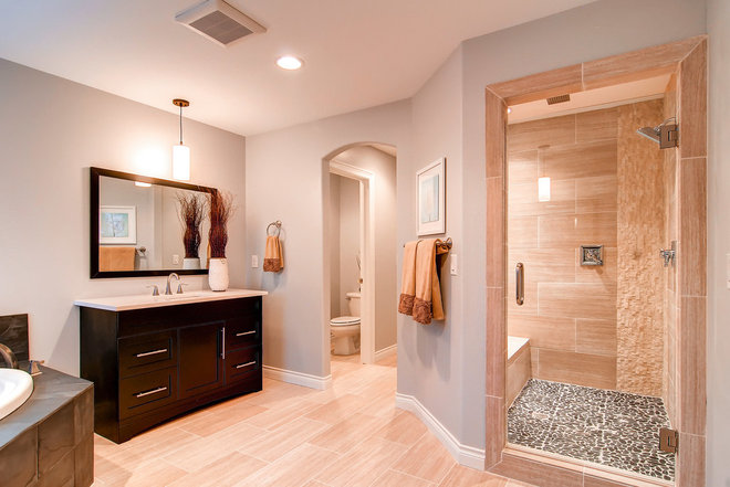 Traditional Bathroom by Redeux Developments