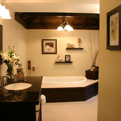 contemporary bathroom by Lisa LaPorta HGTV