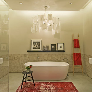 Example of an urban freestanding bathtub design in New York