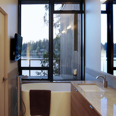 modern bathroom by David Vandervort Architects