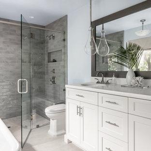 Salle de bain bord de mer avec une douche à l\'italienne : Photos et ...