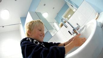 Daylighting an internal bathroom