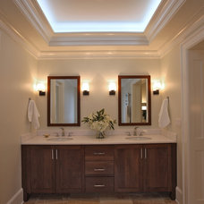 Traditional Bathroom by GTM Architects