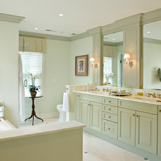 Traditional Bathroom by DEANE Inc | Rooms Everlasting
