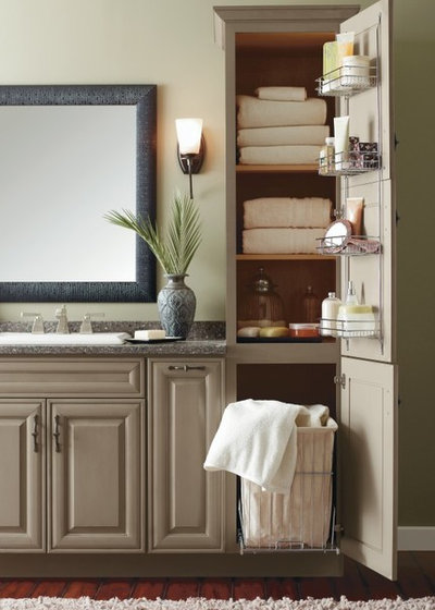 Bathroom by MasterBrand Cabinets, Inc.
