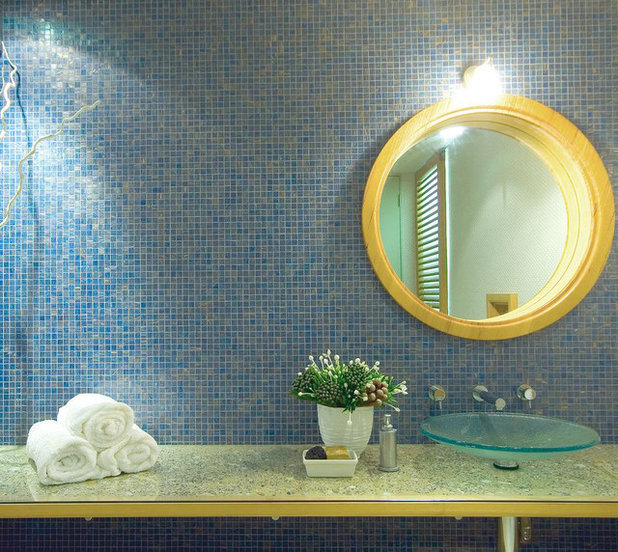 Beach Style Bathroom by Bronwyn Poole of Touch Interiors