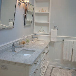 Inspiration for a timeless bathroom remodel in Toronto