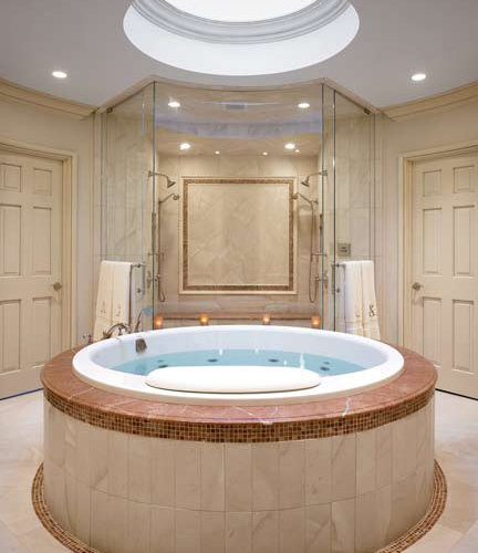Round jacuzzi tub ideas pictures remodel and decor for Bathroom jacuzzi decor