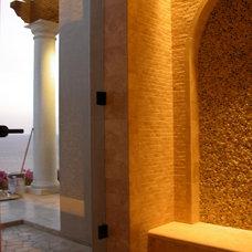Traditional Bathroom by arqflores / architect