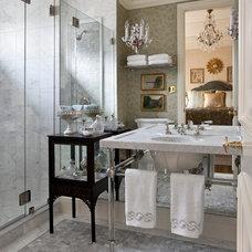 Traditional Bathroom by Linda L. Floyd, Inc., Interior Design