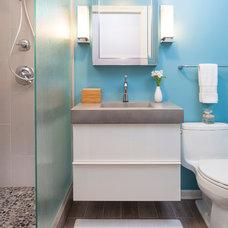 Contemporary Bathroom by MILIEU