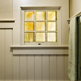 Inredning av ett klassiskt badrum