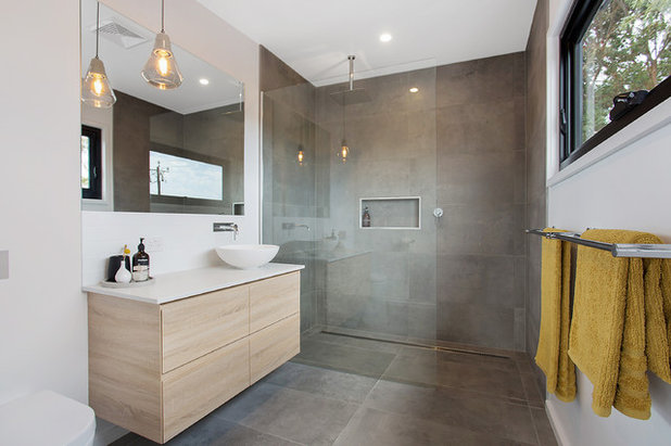 Contemporary Bathroom by Snaauw's Kitchens