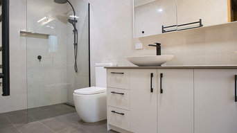 Design & Renovation large Modern Bathroom
